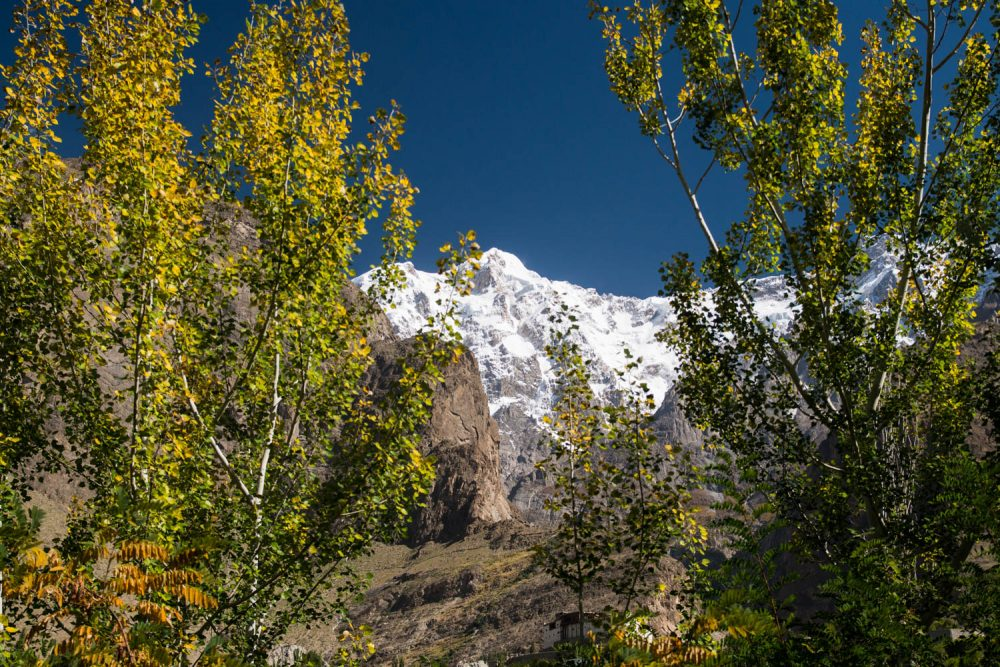 Snow-capped peaks tower over the Hunza Valley – Tommy Nilsson Karakoram