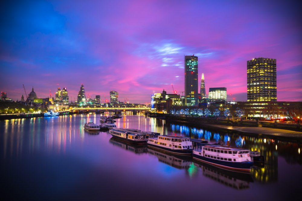A Waterloo sunset in London – Shutterstock musical