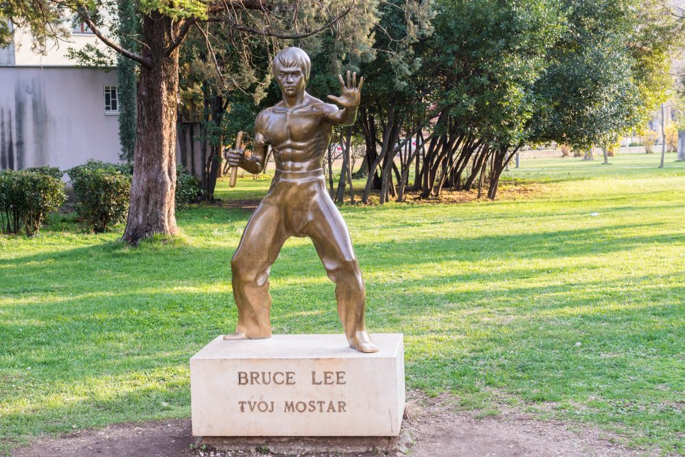 Bruce Lee is representative of an earlier, more peaceful time – 2Ban / Shutterstock monuments