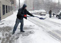Snowstorm in the Northeast stomr alerts — eddtoro / Shutterstock