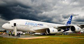 SuperjuSuperjumbo airbus A380 —David Varga / Shutterstockmbo airbus A380