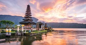 12-year-old boy books a trip to Bali with family credit card — Shutterstock 12-year-old boy uses family credit card to Bali
