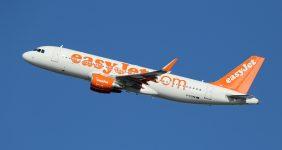 "Groom blames easyJet for cancelling ""nightclub"" stag party flight – Markus Mainka / Shutterstock"