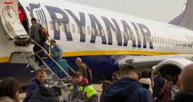 Drunk Irishmen force Ryanair flight to divert Adam Jan Figel / Shutterstock.
