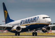 Ryanair pilots to strike, and threaten more action over summer – Rebius / Shutterstock