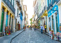 Pelourinho, el casco histórico, fue declarado como Patrimonio de la Humanidad por la UNESCO — ESB Professional / Shutterstock