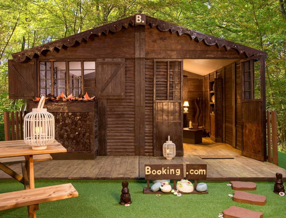 The Chocolate Cottage is made out of approximately 1.5 tonnes of chocolate — Booking.com Week in travel: Norway named the best country for living