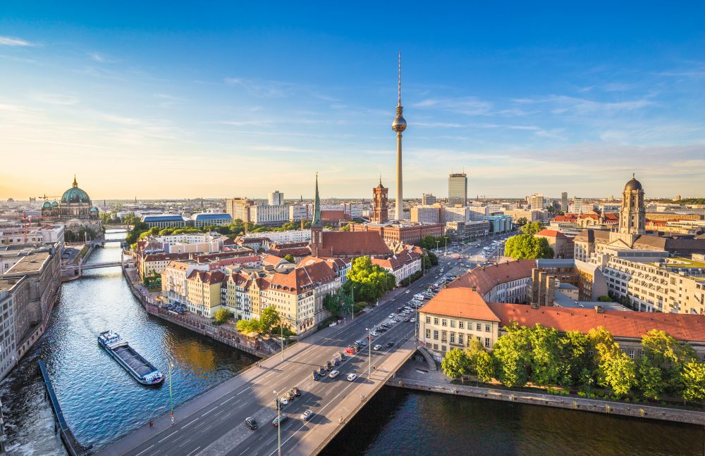 EasyJet will expand at both Berlin airports — Shutterstock Airlines to launch 400 new European routes over winter