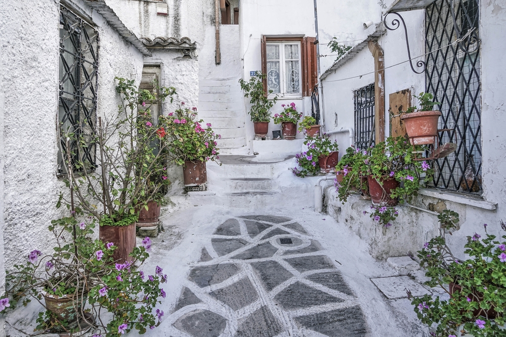 Picturesque Anafiotika was built in the 19th century by the people who moved to Athens seeking work — Shutterstock Travel guide to Athens: history, incredible food and everlasting sunshine