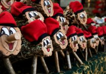 8 peculiar Christmas traditions from around the world