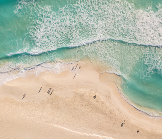 mexico-cancun-beach-travel-hacks-cheap-flights-v3